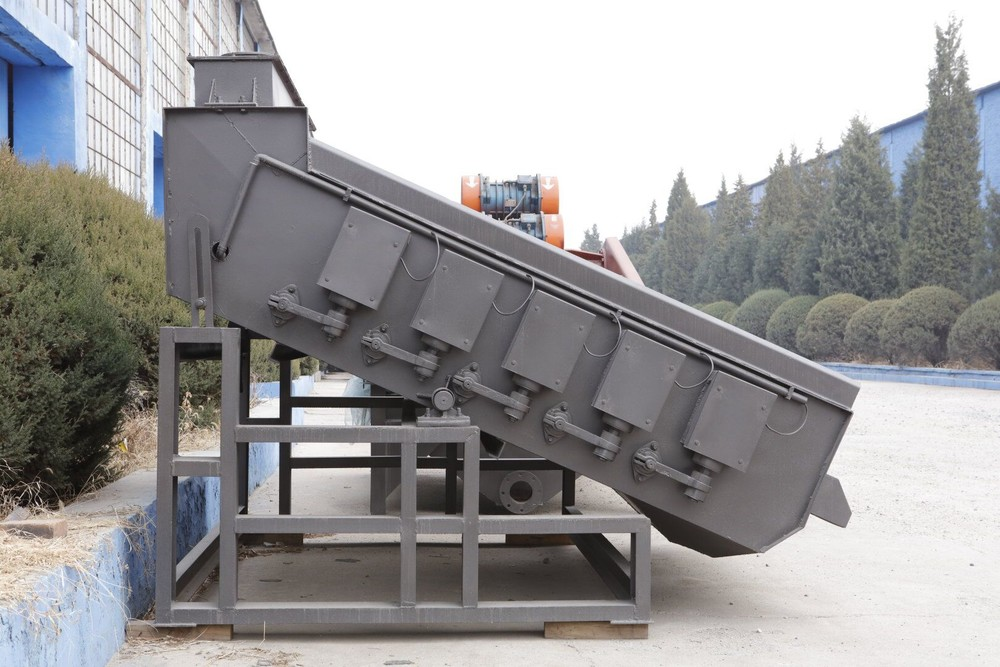 Steady round vibrating screen small noise with long life